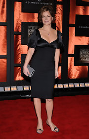 Marcia Gay Harden carried a gray leather clutch at the 13th Annual Critics' Choice Awards.