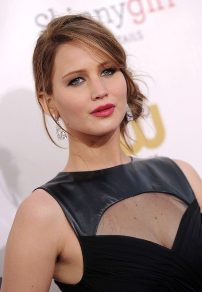More Pics of Jennifer Lawrence Berry Lipstick (2 of 24) - Jennifer Lawrence Lookbook - StyleBistro