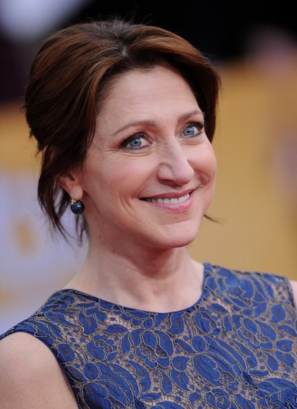 Actress Edie Falco wore her hair in a lovely loose bun for the Actors Guide Awards.
