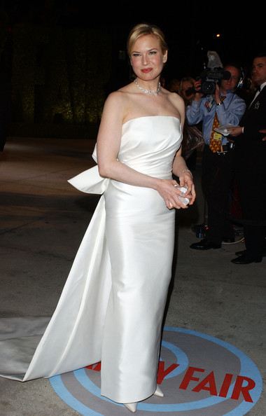 http://www3.pictures.stylebistro.com/bg/2004+VANITY+FAIR+OSCAR+PARTY+TgSfqGNEY-Rl.jpg