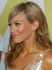 Actress Hilary Duff held this hairstyle in place with a pair of bobby pins.