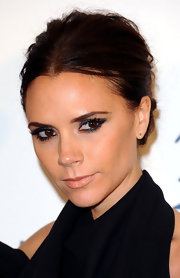 Victoria Beckham wore a sexy, super smoky metallic gray eyeshadow and lots of liner and mascara at the 2011 British Fashion Awards.