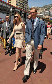 Beatrice Borromeo wore this fitted, flirty day dress to the 2011 Formula One Monaco Grand Prix.