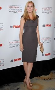 Jennifer Westfeldt looked oh-so-svelte in a gray cowl-neck sheath dress at the 2012 Courage in Journalism Awards.