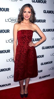Rose Byrne oozed sweetness in a red strapless dress by Jonathan Saunders during the Glamour Women of the Year Awards.