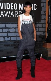 Willow kept her look on the rock'n'roll side with this baggy overall set, which she paired over a band tee.