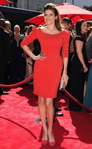 Lake Bell looked classic and stylish at the Emmys in a red cocktail dress by Lanvin.