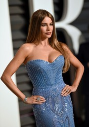 Sofia Vergara showed off her famous curves in a light blue, beaded Zuhair Murad dress with sweetheart neckline.