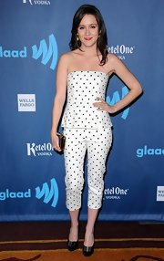 Shannon Woodward looked lovely in polka dots at the GLAAD Media Awards where she sported this white and black spotted ensemble.
