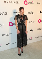 Katharine McPhee looked darling in a black LeiLou midi dress with a lace bodice and a beaded skirt at the Elton John AIDS Foundation Oscar-viewing party.
