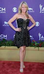 Deana Carter hit up the Academy of Country Music Awards in this strapless filigree dress.
