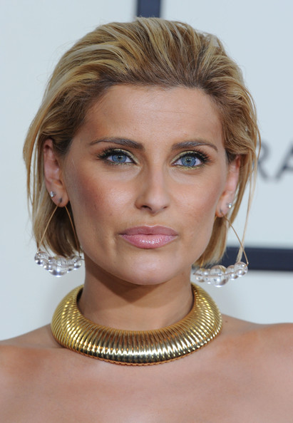 Nelly Furtado wore her hair in an edgy bob at the 2008 Grammys.