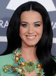 Katy Perry toned down her makeup with nude lips to play up her mint green floral embellished dress at the 2013 Grammys.