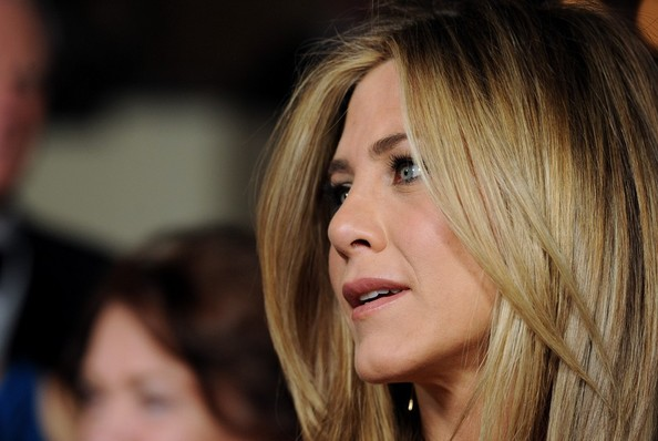 More Pics of Jennifer Aniston Pink Lipstick (1 of 18) - Jennifer Aniston Lookbook - StyleBistro