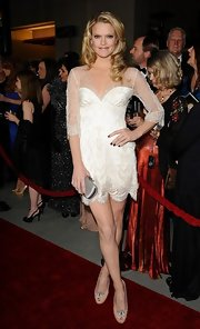 Missi rocked the Directors Guild of American Awards in a white 20s inspired lace dress complete with a scalloped hem.