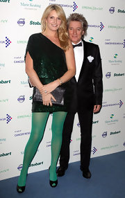Penny Lancaster wore a pair of gorgeous chain earrings at the ball.