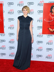 Greta Gerwig kept it understated in this navy V-neck gown at the AFI Fest screening of 'Jackie.'