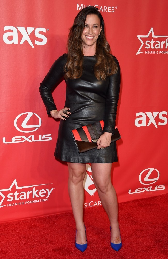 Alanis Morissette Shoes Looks Stylebistro
