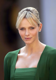 Princess Charlene of Monaco wore her hair in a sleek bobby-pinned updo while hosting the Croatian president and his wife.