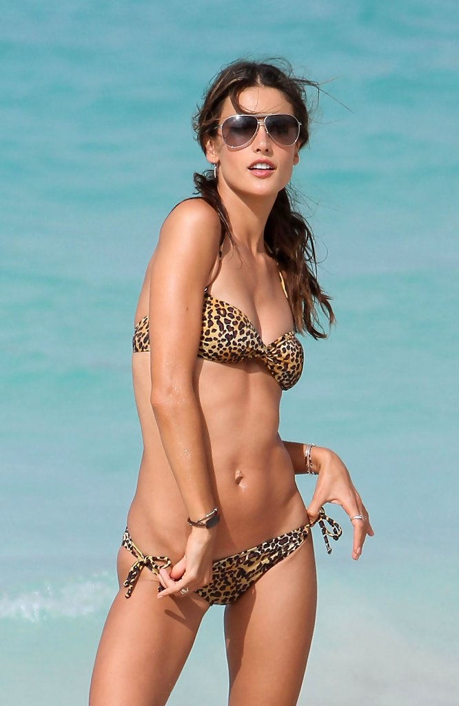 More Pics Of Alessandra Ambrosio Star Tattoo 14 Of 19