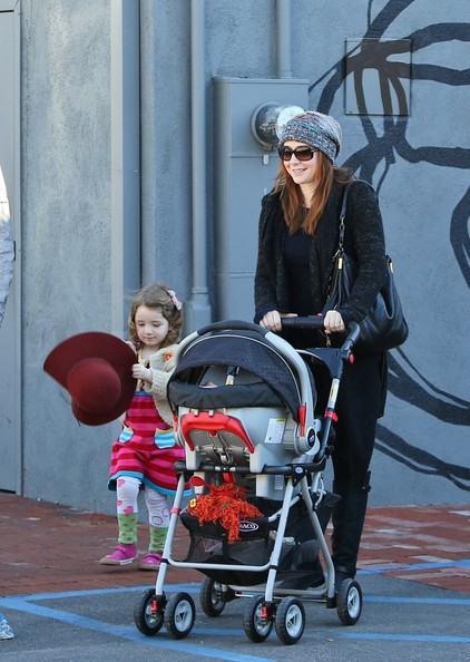 More Pics of Alyson Hannigan Leggings (5 of 20) - Alyson Hannigan Lookbook - StyleBistro