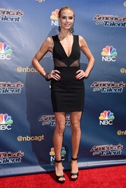 Heidi Klum was edgy-sexy on the 'America's Got Talent' season 10 red carpet in a Cushnie et Ochs LBD with a deep-V neckline and peekaboo panels.