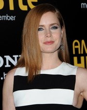 Amy Adams sported a nary-a-stray side-parted 'do at the 'American Hustle' premiere.