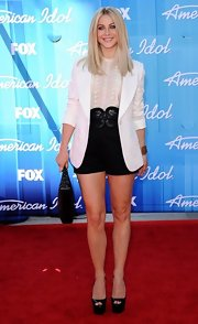 Julianne Hough opted for sophisticated dress shorts and oversized belt to add a classic feel to her look.