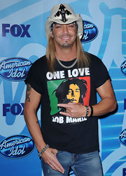 Bret Michaels hangs loose in this white cowboy hat (with bandana beneath).