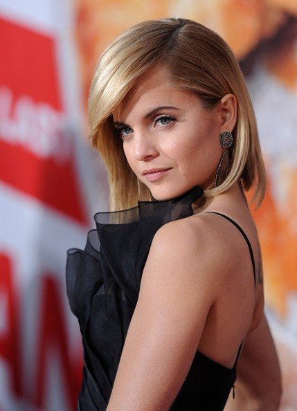 More Pics of Mena Suvari Mid-Length Bob (2 of 27) - Mena Suvari Lookbook - StyleBistro