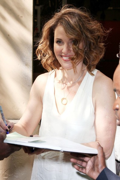 More Pics of Amy Brenneman Mid-Length Bob (4 of 9) - Amy Brenneman Lookbook - StyleBistro