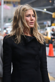 At 'The Late Show with David Letterman,' Jennifer Aniston opted for tousled tresses pinned to the side.