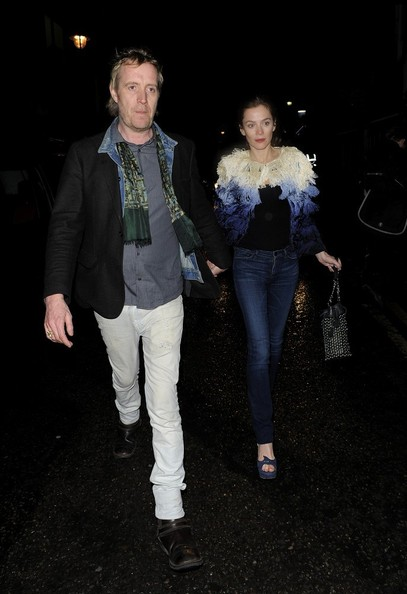 More Pics of Anna Friel Skinny Jeans (5 of 12) - Anna Friel Lookbook - StyleBistro