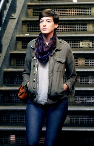 More Pics of Anne Hathaway Utility Jacket (1 of 6) - Utility Jacket Lookbook - StyleBistro