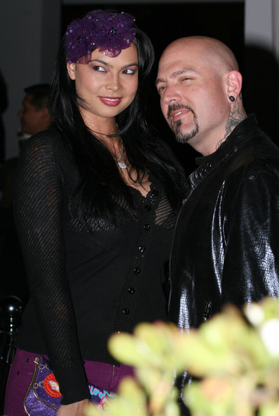 More Pics of Tera Patrick V-neck Sweater (1 of 1) - Tera Patrick Lookbook - StyleBistro