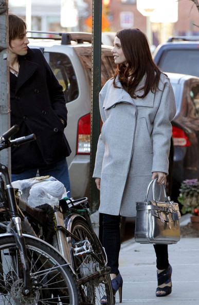 Ashley Greene and Reeve Carney Eat Out