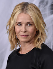 Chelsea Handler looked fab with her beachy waves at the Los Angeles premiere of 'Atomic Blonde.'