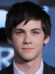 Logan Lerman looked slightly disheveled but still handsome at the 'Avatar' premiere.