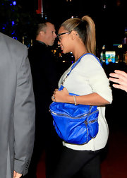Beyonce toted a bright blue bag while running errands in NYC.