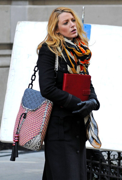 More Pics of Blake Lively Patterned Scarf (1 of 8) - Blake Lively Lookbook - StyleBistro