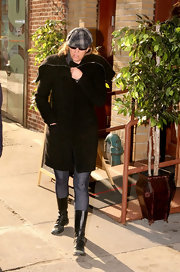 Dorothea Hurley braved the cold outside Pinchos Spanish Restaurant in a stylish black wool coat.