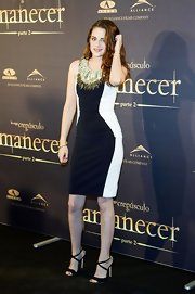 Kristen flattered her figure in this paneled dress with an embellished neckline.