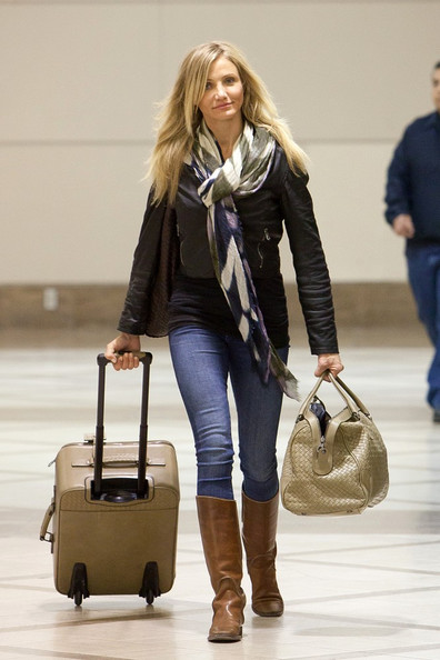 Cameron Diaz Patterned Scarf