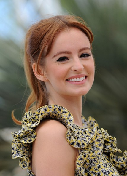 A high bouncy ponytail kept Ahna's look playful and youthful at the 'As I Lay Dying' photo call in Cannes.
