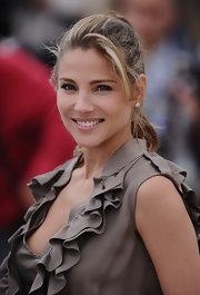 Actress Elsa Pataky paired her mushroom colored jumper with a loose ponytial, while making an appearance in Cannes.