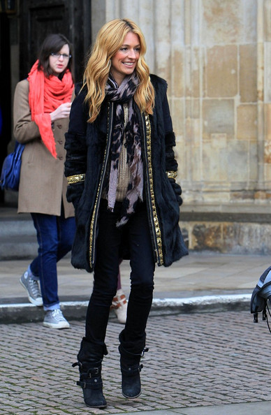 Cat Deeley Accessories