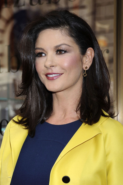 Catherine Zeta-Jones Gold Dangle Earrings