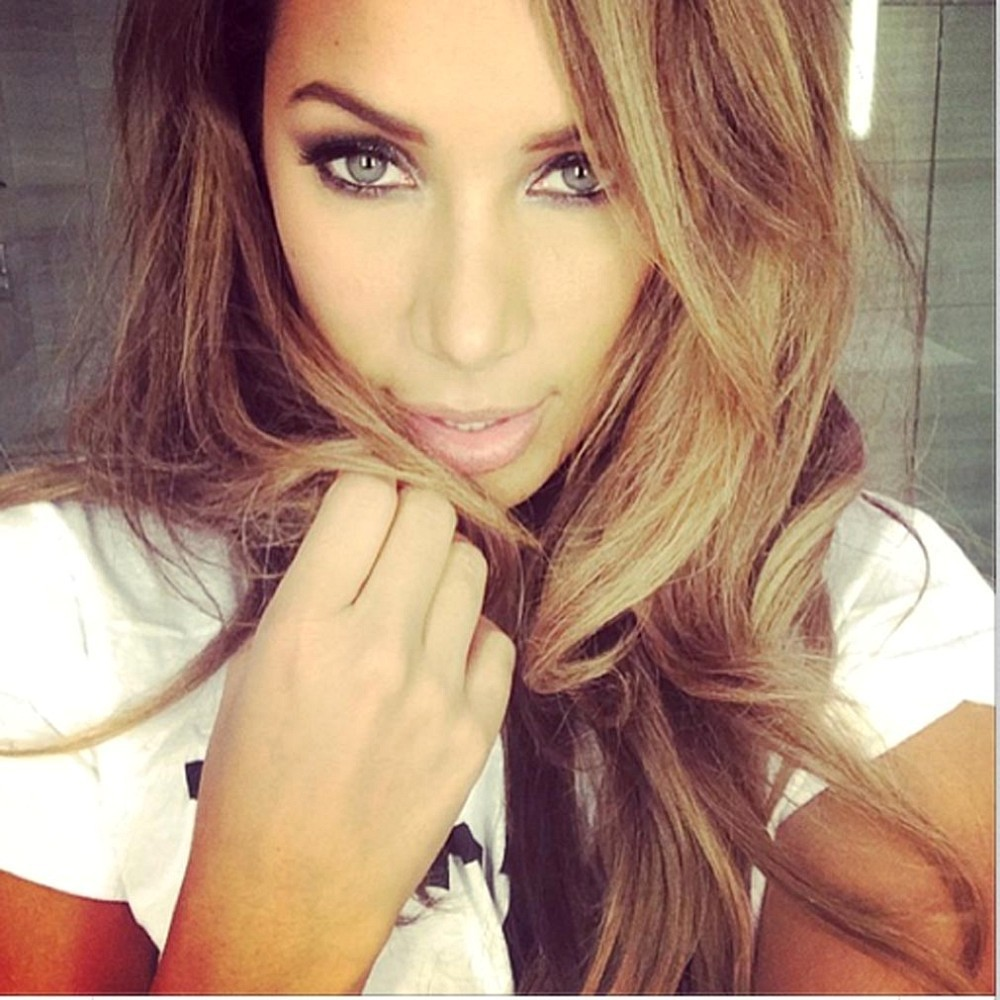 Leona Lewis Takes A Pretty Selfie The Week S Most