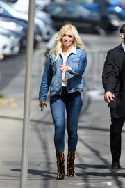 Gwen Stefani punctuated her denim look with a pair of leopard-print boots by Dolce & Gabbana.