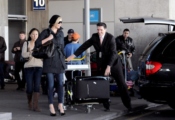 More Pics of Charlize Theron Oversized Satchel (1 of 12) - Charlize Theron Lookbook - StyleBistro